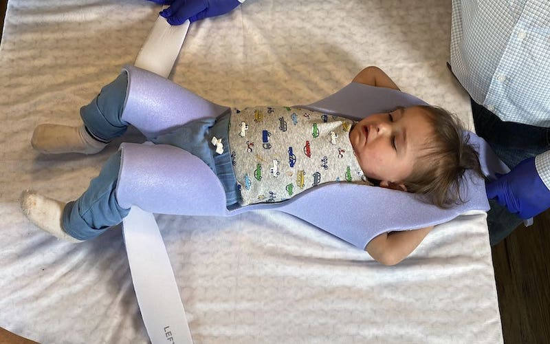 Two Arms One Leg Immobilization - Pediatric Position Holder & Immobilizer